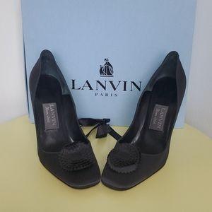 Lanvin black satin pump